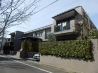 東京都世田谷区成城6丁目の賃貸マンションの外観