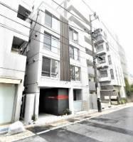 東京都新宿区四谷三栄町の賃貸マンションの外観