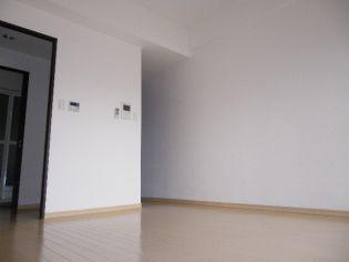 エスライズ新神戸の洋室