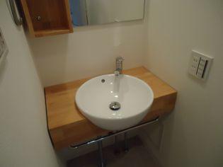 アドバンス三宮ラシュレの独立洗面台