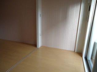 アドバンス三宮ラシュレの洋室