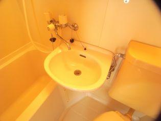 ロイヤルイン二宮のトイレ
