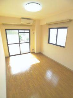ラポール高砂の居室