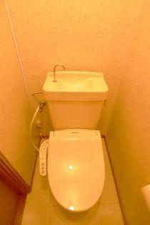 メゾン  KMのトイレ