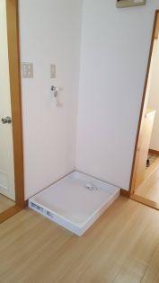 斉藤第1マンションの洗濯機置場