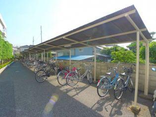 ハイツニュ-エイトの駐輪場