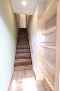 北山壱番館の階段・下駄箱