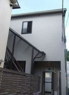 東京都港区西麻布2丁目の賃貸アパートの外観