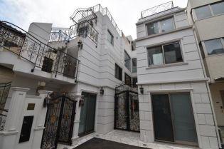 東京都渋谷区神宮前2丁目の賃貸マンションの外観