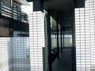 レオパレス西原[101号室]の外観