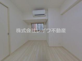 スプランディッド難波元町の使い勝手のいい洋室です