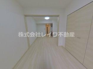 スプランディッド難波元町の明るい洋室です