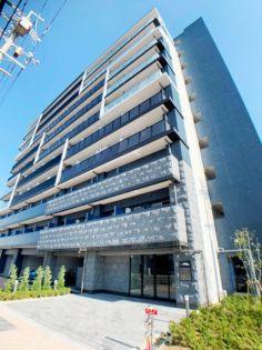 プレサンス新大阪ラ・トゥールの建物外観