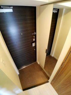 プレサンス新大阪ストリームの玄関