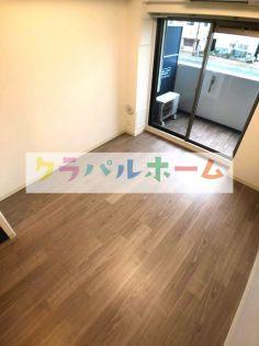 プレサンス新大阪ラ・トゥールの居室・リビング