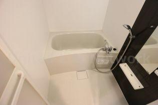エストーネ江坂の浴室