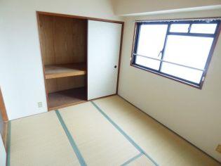 エイチツーオー杭瀬のゆったりくつろげる和室。